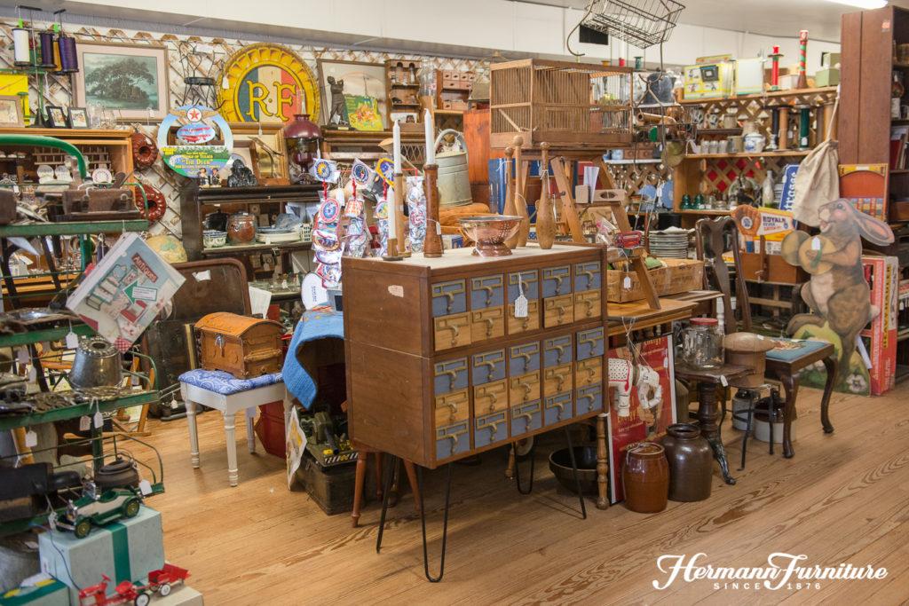 Antique Mall - Antique Mall – Hermann Furniture
